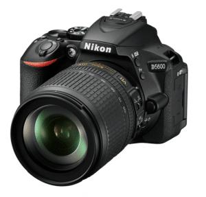 מצלמת NIKON D5600