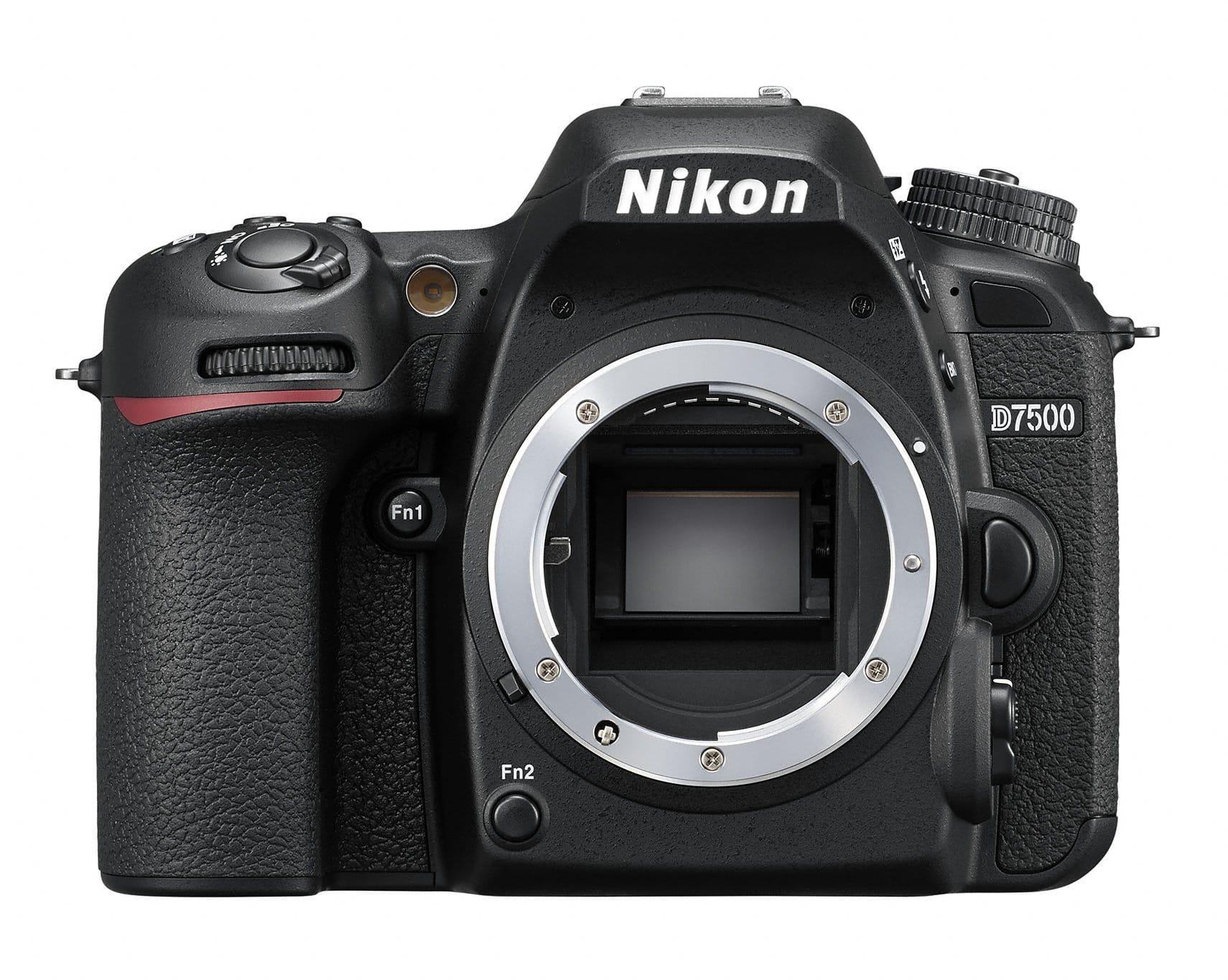 מצלמה דיגיטלית NIKON D7500