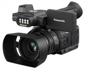 מסרטת וידאו PANASONIC HC-PV100
