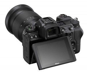 מצלמת NIKON Z6 עם עדשה