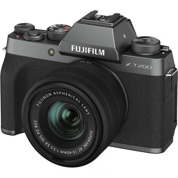 """מצלמת FUJI X-T200 ועדשה 15-45 מ""""מ"""