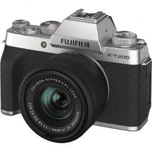 """מצלמה דיגיטלית ללא מראה X-T200 ועדשה 15-45 מ""""מ"""