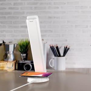 מנורת שולחן LED עם טעינה אלחוטית